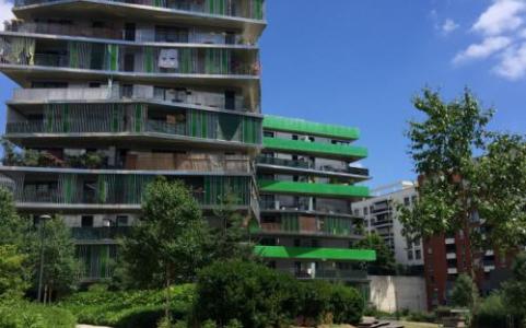 """Jardins de la résidence de logements social """"Villot Rapée"""" gérée par Paris Habitat, labellisé EcoJardin depuis 2017 dans la catégorie """"Accompagnements d"""